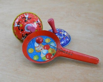 Vintage Party Noise Makers • Life of the Party TC made in the USA • Noise Clacker New Years Party Noise Makers