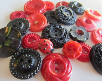 Vintage Buttons - Cottage chic fancy pierced mix of red and blackwith 1 lady bug, lot of 22 old and sweet( nov 378b)
