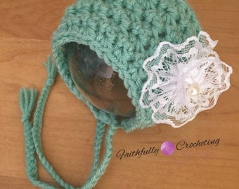 Newborn bonnet.. Photography prop.. Ready to ship.. Hair clip