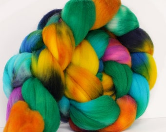 Flutterby 4 oz Targhee Roving Wool Superwash-Handpainted Top for Spinning or Crafting