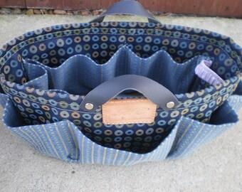 Purse  organizer/Insert organizer  , Bath basket organizer in Cream Navy  Damask