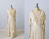 Antique 1900s Silk and Lace Tea Gown Dress / Wedding Dress / Ivory / 1900s Edwardian Dress