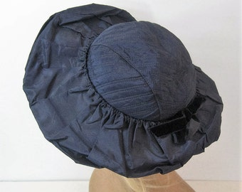 Taffeta Hat 40s 50s Vintage, Navy Blue Wide Brim, Ruched Turned Up Brim, Quilted Crown, Velvet Bow, Day to Cocktail Blue Chapeau