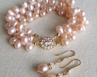 Wedding Bracelet, Blush Pink Freshwater Pearl Bridal Jewelry,  Bridal Bracelet with matching earrings, Pearl Bracelet & Earrings