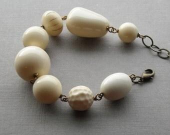 ivories bracelet - vintage lucite and brass - cream bracelet - monochromatic - neutral color jewelry