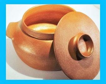 Handbuilt Dutch Oven 6 qt, Micaceous Clay Casserole Ceramic Cookware, Ceramic Ovenware, Bakeware for Stews Soups Beans