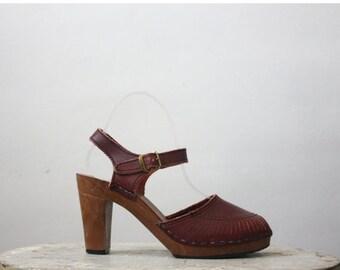 VACATION SALE. vintage merlot leather sandals / size 6