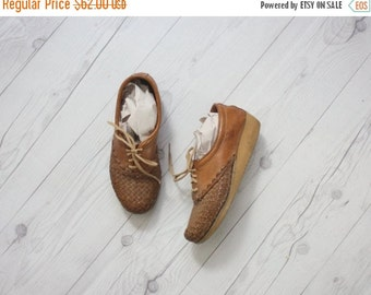 VACATION SALE. woven leather oxford wedges / size 6