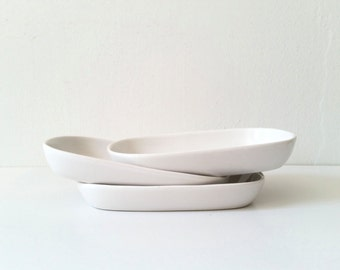 Three Airline Dishes . White China . United Airlines . Pfaltzgraff . Collectible . Mid Century Modern