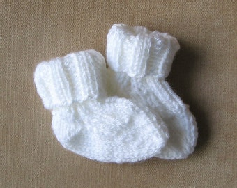Newborn Baby Socks Hand Knit, Ready To Ship, Size 0 to 3 Months, Baby  Clothing Girl or Boy, Baby Shower Gift, Infant White Crew Socks