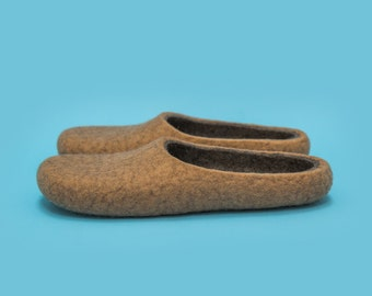 "Smoky sand"" Hand felted wool slippers by Onstail"