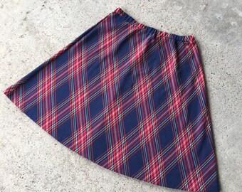 1970s Vintage Plaid Skirt - Lightweight Knit Plaid Full Skirt - Elastic Waist - School Girl - Preppy - Hipster - Circa 1970's Plaid Skirt