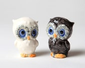 Owl Salt and Pepper Shakers Ceramic    Give A Hoot