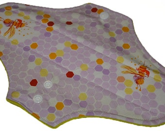 Moderate Core-Lilac Hex Bee Reusable Cloth Maxi Pad- WindPro Fleece 10 Inches (25.5 cm)