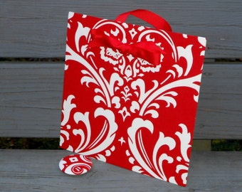 "Christmas Hostess Gift, Magnetic Board, Magnet Memory Board, Red Damask Fabric,  Magnet Reminder Board,  (10"" x 10"")"