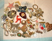 crazy price --GIANT OLD brooch lot- 36 pins-2 victorian- most REPAIR jobsclean up so cute---- good deal