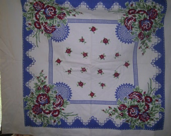 1950s PRINT KITCHEN TABLECLOTH - Lace & Roses Topper