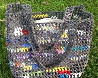 Plarn Tote - grey with color burst