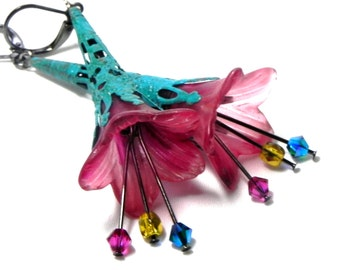 Lucite Trumpet Flower Earrings - Hand painted  Victorian pink Lily - Turquoise Filigree Cone