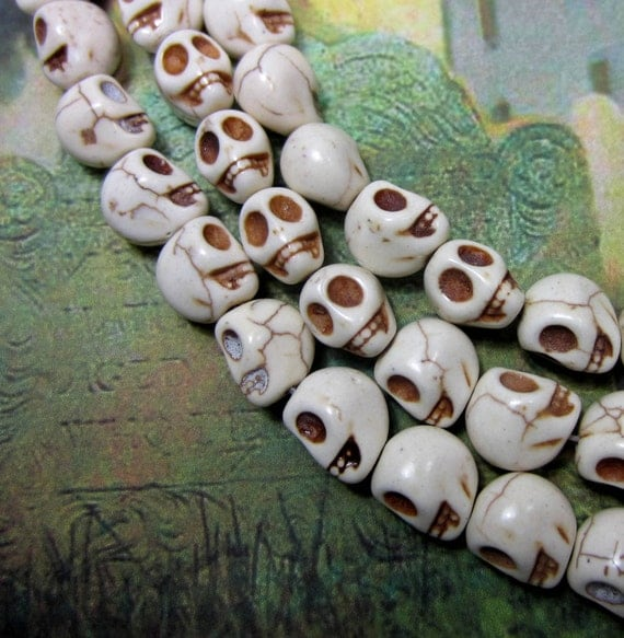 18 Ivory skull beads howlite gemstone diy jewelry making 10mm 12mm day of dead HP894-C6
