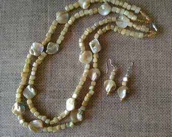 Gorgeous MOP (Mother of Pearl) Necklace Set