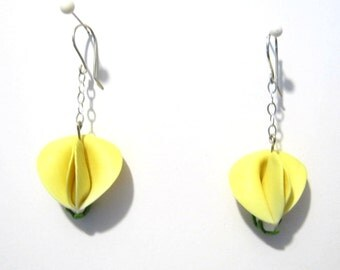 Soft Yellow Sweet Pea Earrings, Spring Floral Jewelry, Sculpted Flower Earrings, Polymer Clay Dangles, Bridesmaid Gift, Sterling Silver