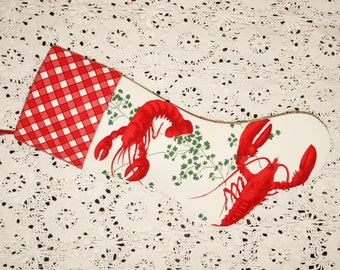 Sumptuous, Cheerful Lobsters Wilendur Vintage Tablecloth Stocking
