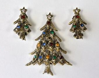 Vintage Rhinestone Christmas Tree Brooch Earring Set, Holiday Jewelry Set,Antiqued Gold Tone Metal, Jewel Tone, Clip On Earrings 1960s 1970s