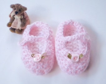 Crocheted Baby Girl Maryjanes Newborn Baby Shoes Petal Pink White Insoles 3""