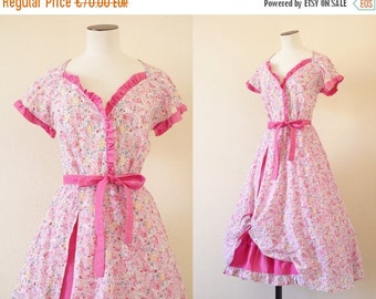 70% OFF ... Bonbon rose dress || Cotton knotted floral dress || 1970's by cubesandsquirrels || small