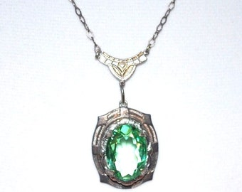 1920s French Art Deco Sterling Silver Open Back Faceted Green Crystal Vintage Necklace