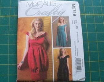 McCall's 5749 Misses Dresses Sizes 6-14 Sewing Pattern