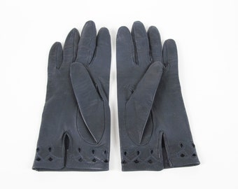 Navy Leather Gloves Vintage Leather Gloves Womens Leather Driving Gloves Embroidered Cutwork Peekabook Cut Outs Dark Blue Gloves Size 7