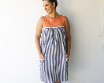 Vintage MOD Dress / Maternity Dress / Size M L