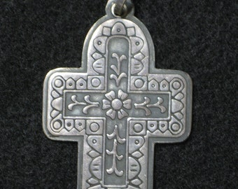 Vintage Sterling Silver Mexico Ornate Cross 17.5 grams