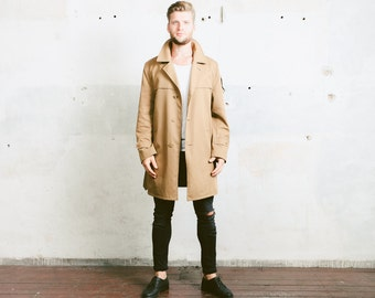 Vintage 70s TRENCH Coat . Mens 1970s BEIGE Detective Sherlock Belted Rain Coat Long Jacket Duster Retro Outerwear . size Extra Large XL