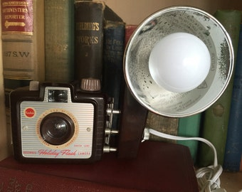 1950-60's Kodak Brownie Holiday Flash Camera Lamp