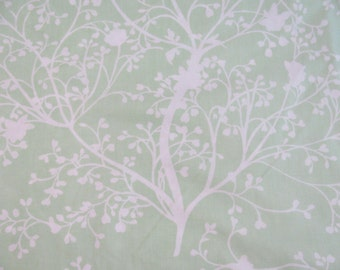 Vintage Springmaid Twin Flat Sheet w/ White Floral On Lime Green - Eyelet Lace Trim - Great Condition