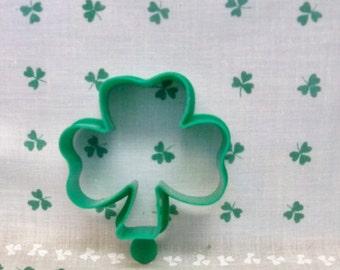 Shamrock Cookie Cutter ~ Original Green Plastic Silhouette ~ 3 Leaf Clover ~ Vintage 1986 Hallmark Cookie Cutter  - Irish Theme