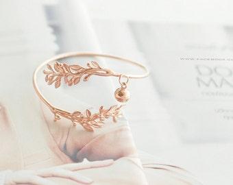 Grecian leaves bangle bracelet. Rose gold tone bangle.Silver bangle.Gold Rose gold.Greek goddess jewelry. Rose gold leaves bracelet