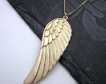 Angel Wing Necklace -- Gold Wing Necklace -- Guardian Angel Jewelry -- Gold Angel Wing Necklace -- Gold Wing Charm Necklace -- Wing Necklace