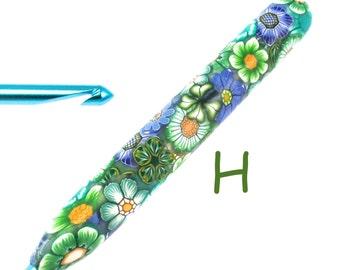 Susan Bates, H 8/ 5.00mm, Polymer Clay Covered Crochet Hook, Flower Design