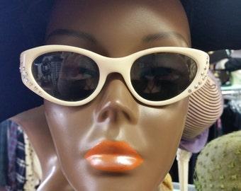 Vintage Ladies 1950s Italian Cat Eye Sunglasses PRICE SLASH!