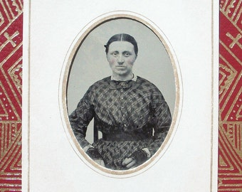 Tintype - Lady, Dark Eyes & Fingerless Gloves