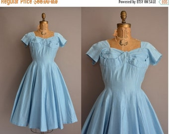 25% off SHOP SALE... 50s blue cotton full skirt vintage dress / vintage 1950s dress