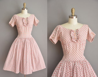 vintage 1950s dress / Trudy Hall cotton full skirt dress / 50s floral dress