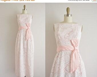 Anniversary SHOP SALE... vintage 1960s dress / 60s pink paisley lace dress / 1960s party dress
