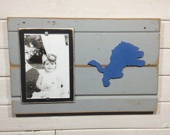 "Detroit Lions picture frame holds 4""x6"" photo, decor"