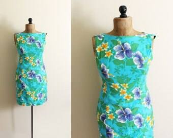 vintage dress hawaiian shift hibiscus floral print green blue 1960s clothing size small s