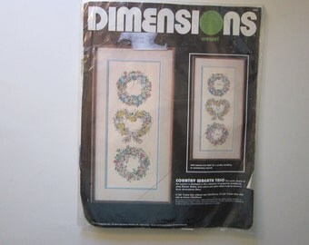 vintage crewel kit - COUNTRY WREATH 2 - Dimensions, unopened - circa 1987